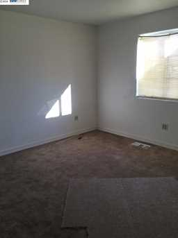 1226 92nd Ave - Photo 8