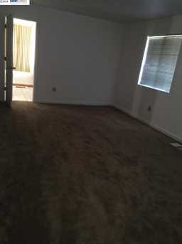 1226 92nd Ave - Photo 6