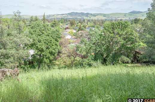 1032 Millbrook Ct - Photo 10