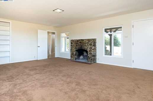 24694 Fairview Ave - Photo 6