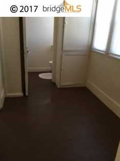 515 W 7th St # 522 - Photo 6