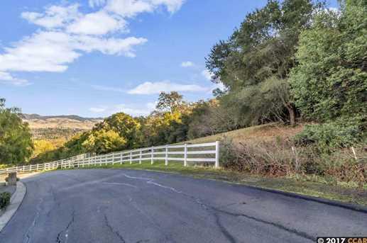 605 Highland Drive - Photo 10