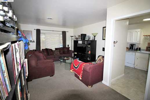 2859 Greenview Dr - Photo 6