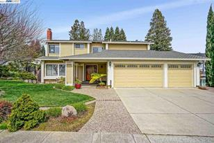 6000 Slopeview Ct - Photo 1