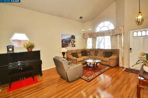 1068 Green Point Ct - Photo 4