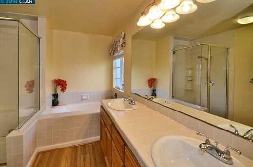 1068 Green Point Ct - Photo 18