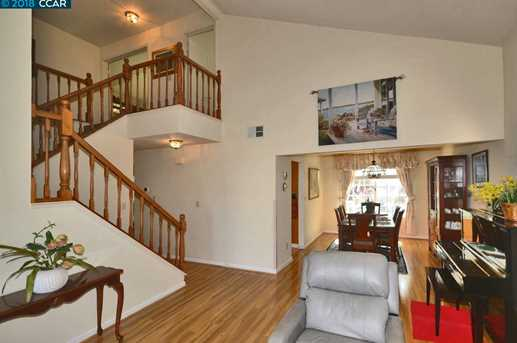 1068 Green Point Ct - Photo 2