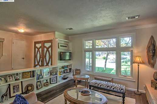 3059 Forest Hills Dr - Photo 8