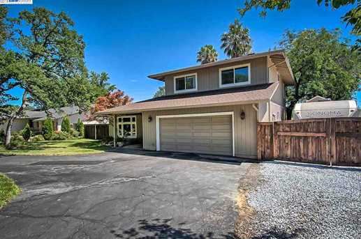 3059 Forest Hills Dr - Photo 4