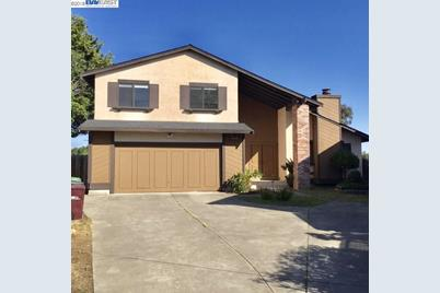 28045 Fallbrook Dr - Photo 1