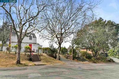 544 Woodmont Avenue - Photo 1