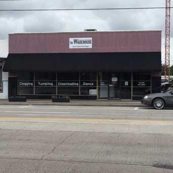 313 East Brazos Ave - Photo 1