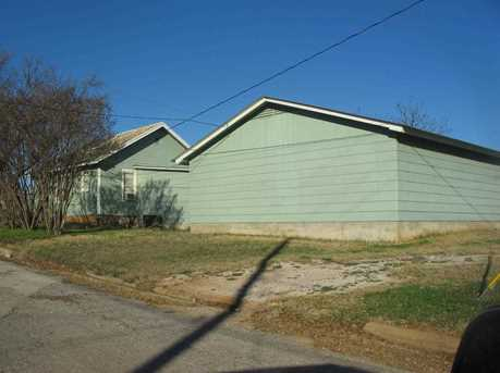 208 W Young - Photo 2