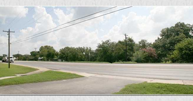 1315 Central Texas Expressway - Photo 2