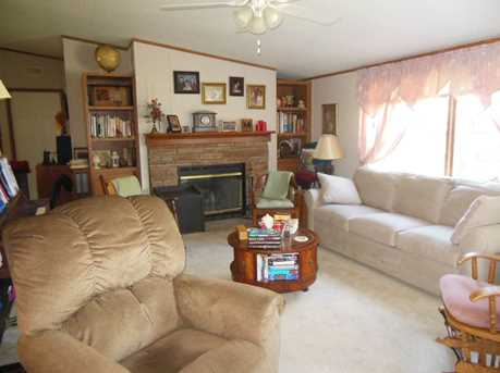 Mobile Home Only - Photo 4