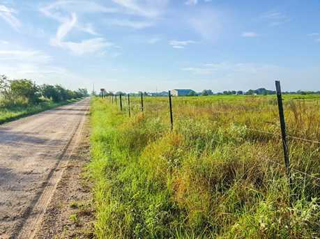 5731 Mieth - Photo 2