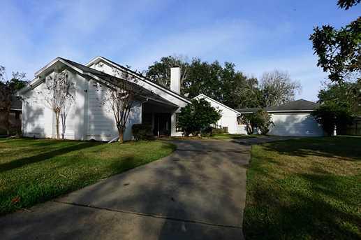 2275 River Oaks Drive - Photo 2