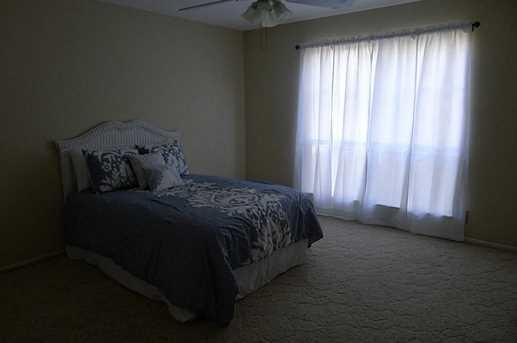 2275 River Oaks Drive - Photo 14