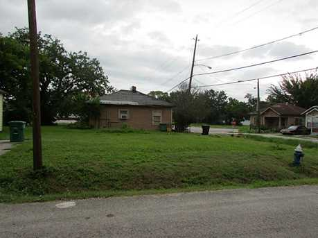 3314 Sampson Street - Photo 2