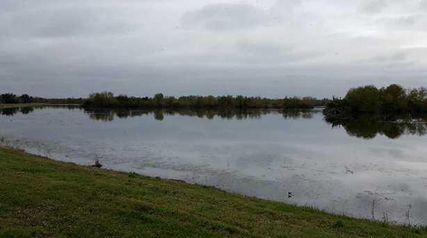 2164 Twin Lakes Boulevard - Photo 2