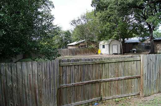 815 Stutts - Photo 20