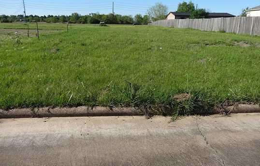 3502 Brook Hollow Dr - Photo 2