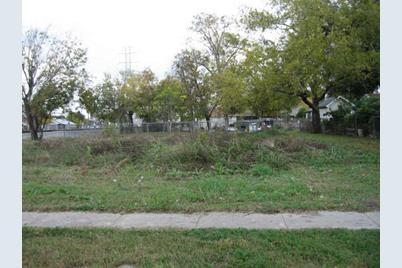 3205 McIlhenny Street - Photo 1