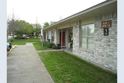 2501 Davis Street - Photo 1