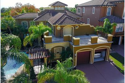 541 Villa Drive - Photo 1