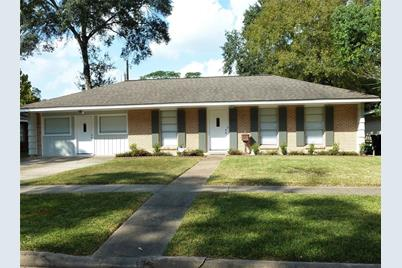 8022 Ridgeview Drive - Photo 1