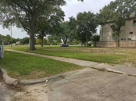 5702 N Braeswood Boulevard - Photo 4