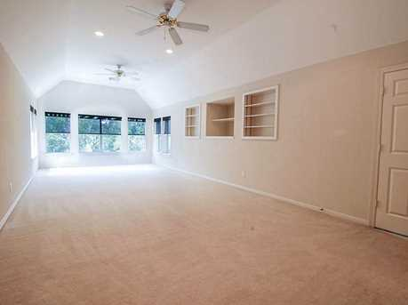 8810 Saxonwood - Photo 24