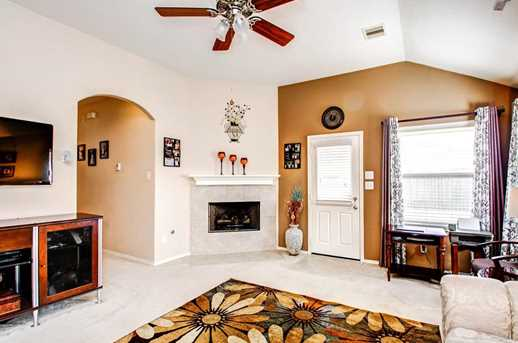 1318 Colonial Manor Drive - Photo 8