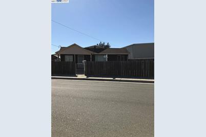 2881 Baumberg Avenue - Photo 1