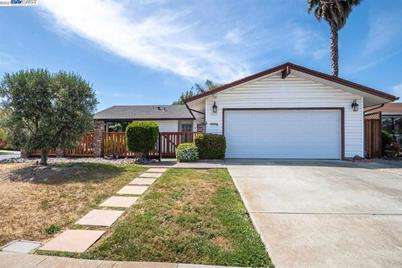 5208 Lilac Ave - Photo 1