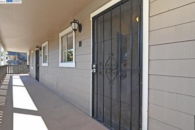 3845 Vineyard Ave #B - Photo 1
