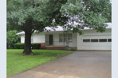1913 Waterloo Ave, Denison, TX 75020 - MLS 11968475 - Coldwell Banker