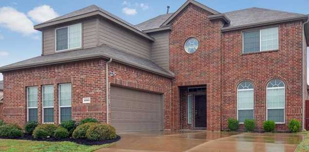 1383 Waters Edge Dr - Photo 1