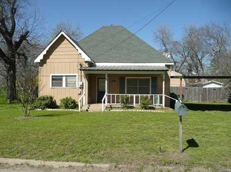 402 W Blackjack Street - Photo 1
