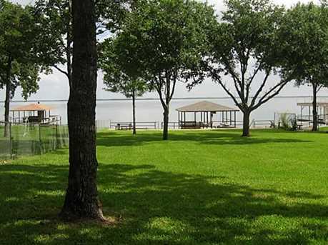 139 Lakeside Ln - Photo 1
