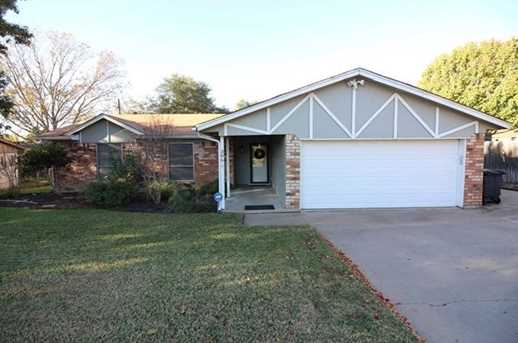 306  Red Oak Drive - Photo 1