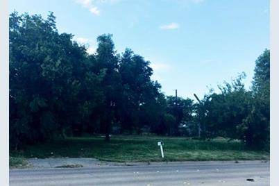 5504 W Vickery Boulevard - Photo 1