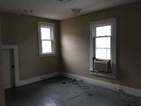 504 Electric St - Photo 8