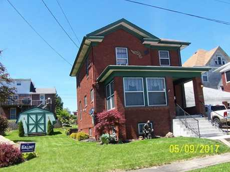 453 Bowlby St. - Photo 2