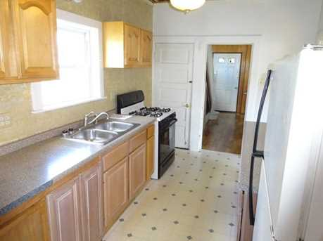 1270 Needham St - Photo 2