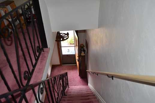756 Middle - Photo 12
