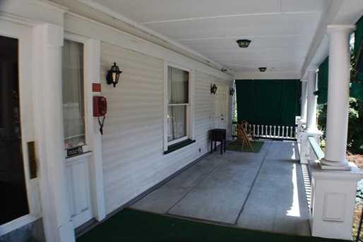 701 Thompson Ave - Photo 2
