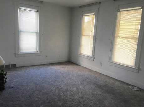 300 Fairview Ave - Photo 4
