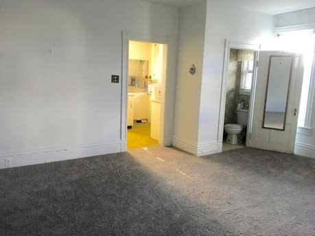 300 Fairview Ave - Photo 6
