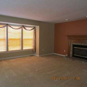8901 Lost Valley Dr - Photo 2
